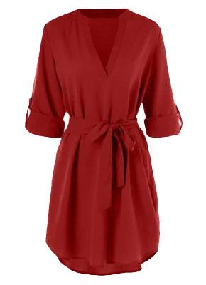 Платье-рубашка свободного покроя с тонким ремешком, скрывающее широкие бедра, является неплохим вариантом для фигуры Груша.