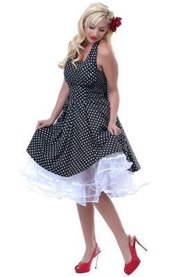 Платье-рубашка в стиле ретро с застежкой на пуговицы. . Короткие рукава с отворотами, по бокам накладные