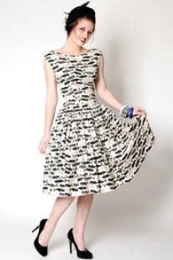 Мода не просто изменчива - она бывает противоречивой и капризной до бессмысленности, но...  Фото мода 50 х годов.Фото...