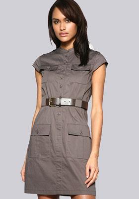 Женское платье в стиле милитари