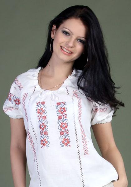 Русская блузка с вышивкой