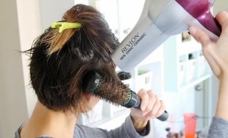 Закрепить волосы прищепкой: фото