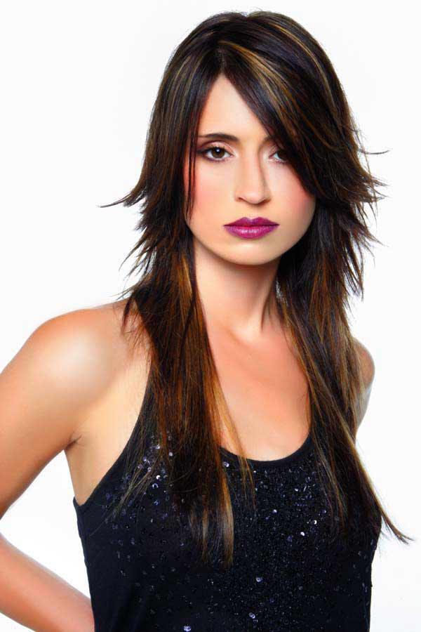 Стрижка каскад на длинные волосы с челкой: фото