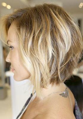 Стрижка боб на средние волосы с челкой: фото