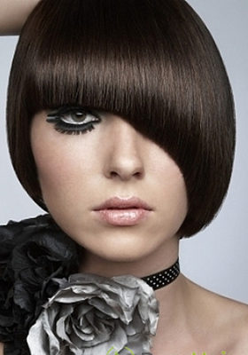 Стрижки с длинной челкой на средние волосы: фото