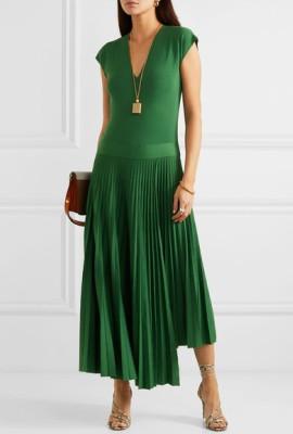 Вертикальный и диагональный декор на платьях для низкого роста