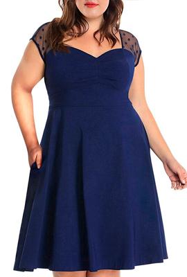 Платье с вырезом в виде сердца