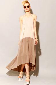 dress-in-trapeze-style2 Платье трапеция - стиль 60-х снова в тренде, 365 фото